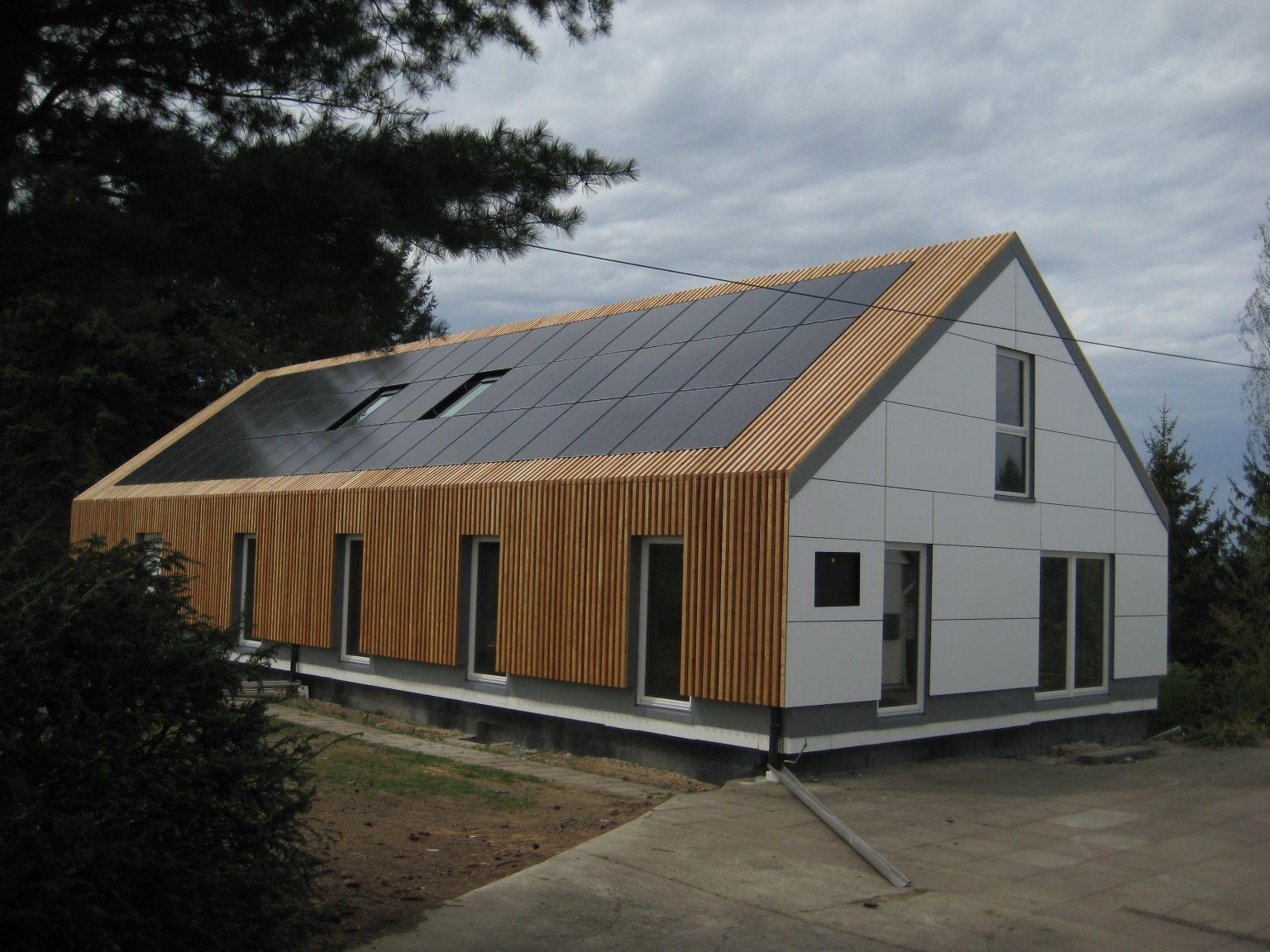 """Das """"Info- und Innovationszentrum nachhaltiger Tourismus"""" nach Beendigung des ersten Bauabschnitts 2012"""